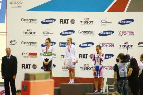 Laura Trott receives her gold medal